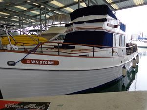 Used Grand Banks Classic Sedan Express Cruiser Boat For Sale