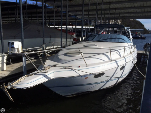 Used Chris-Craft 272 Crowne Express Cruiser Boat For Sale