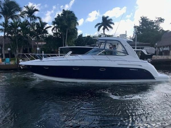 Used Formula PC Diesel Express Cruiser Boat For Sale