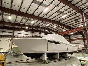 New Mag Bay Express Cruiser Boat For Sale