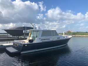"Used Sabre ""42"" Salon Express Cruiser Boat For Sale"