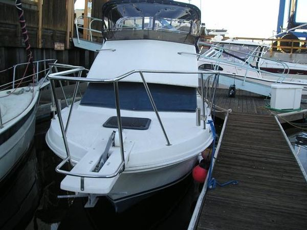 Used Skipjack 262 Flying Bridge Sports Fishing Boat For Sale