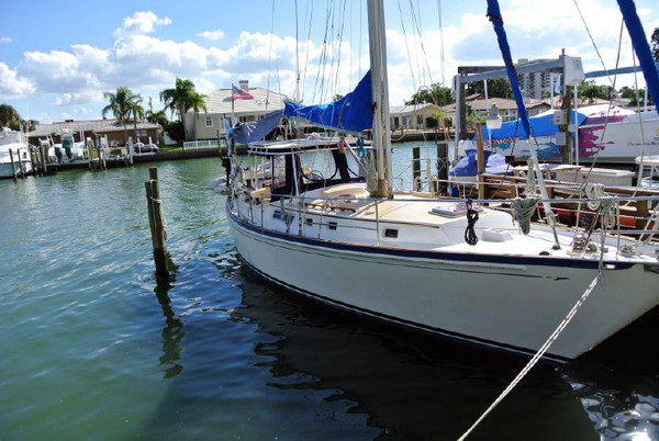 Used Brewer 12.8 Cruiser Sailboat For Sale
