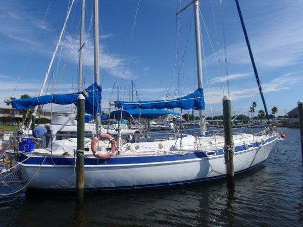 Used Morgan Out Island Center Cockpit Sailboat For Sale