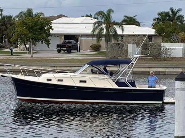 Used Mainship Rum Runner II Great Shape Express Cruiser Boat For Sale