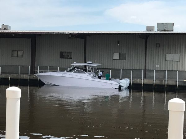 Used Fountain 38 Sportfish Cruiser Sports Fishing Boat For Sale