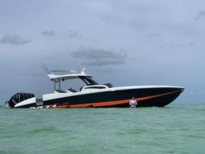 Used Mti V 42 XSF High Performance Boat For Sale