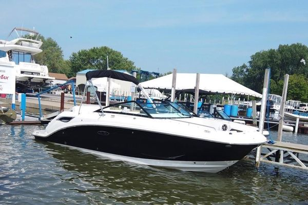 Used Sea Ray SDX 250 Bowrider Boat For Sale