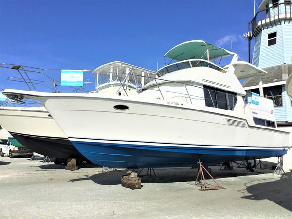 Used Carver 390 Motor Yacht For Sale