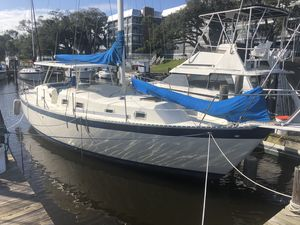 Used Irwin Racer and Cruiser Sailboat For Sale