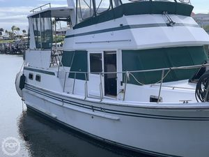 Used Chien Hwa 35 Sundeck Trawler Boat For Sale