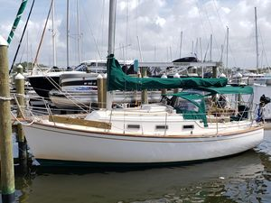 Used Island Packet 27 Daysailer Sailboat For Sale