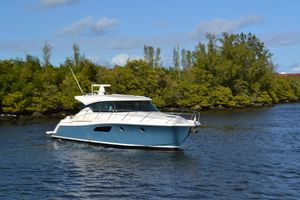 Used Tiara 44 Sport Coupe Express Cruiser Boat For Sale