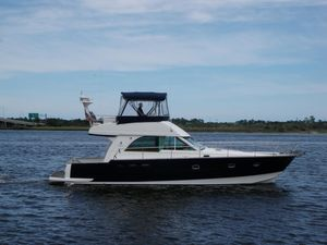 Used Beneteau Antares Convertible Fishing Boat For Sale