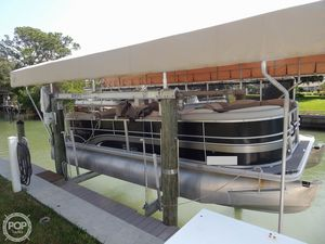 Used Sylvan 8522 LZ Mirage Pontoon Boat For Sale