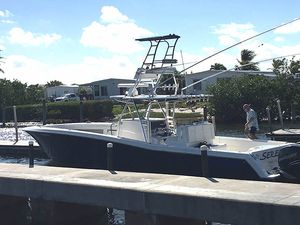Used Invinvible Sport Fisher Center Console Boat For Sale