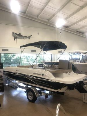 New Hurricane SS 201 I/O Deck Boat For Sale