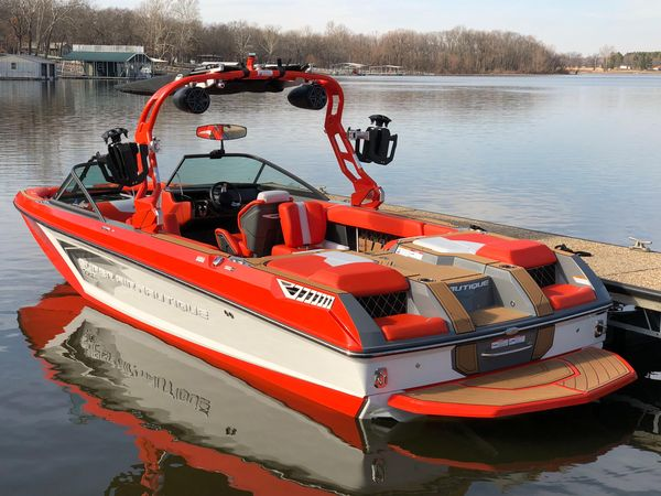 Used Nautique GS24 Ski and Wakeboard Boat For Sale