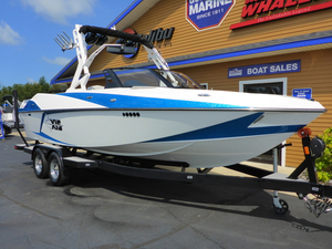 New Axis Wake Research T23 Ski and Wakeboard Boat For Sale