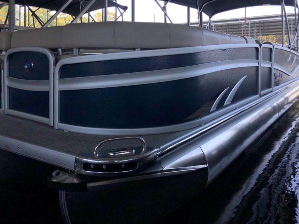 New Premier 270 Grand Majestic Pontoon Boat For Sale