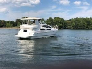 Used Cruisers Yachts 415 Express Motoryacht Motor Yacht For Sale
