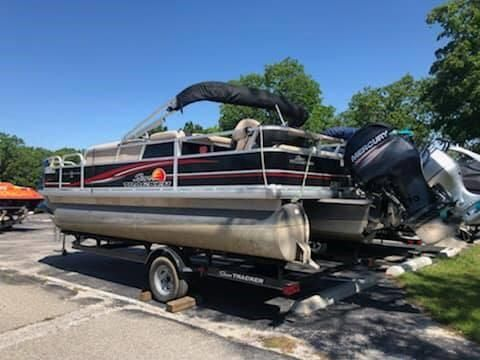 Used Tracker 22 DLX Pontoon Boat For Sale