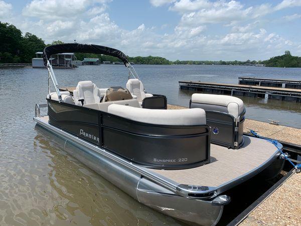 New Premier 220 Sunspree RF Pontoon Boat For Sale