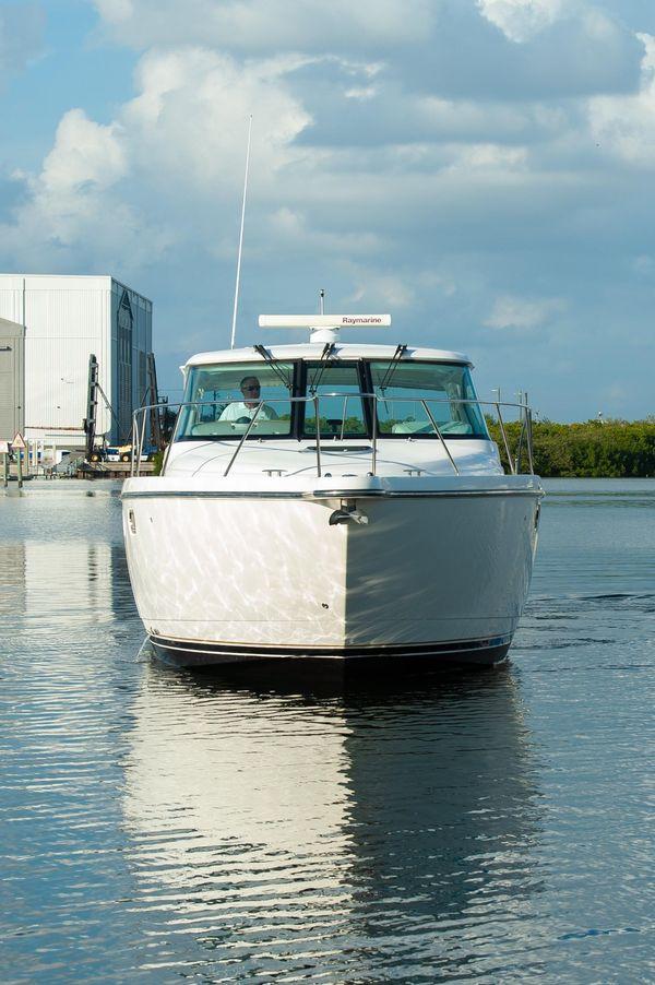 Used Tiara 3500 Sovran Motor Yacht For Sale