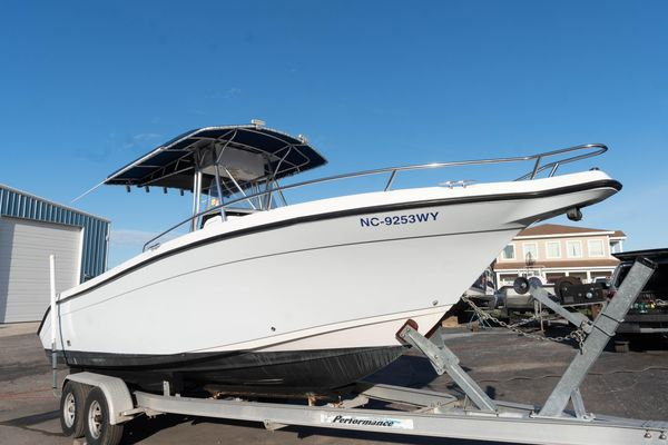 Used Century 2600 Center Console Saltwater Fishing Boat For Sale