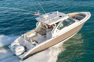 New Pursuit DC 326 Cruiser Boat For Sale