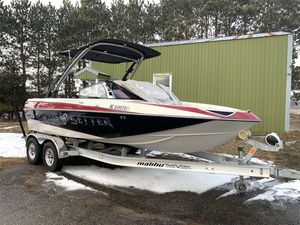 Used Malibu Wakesetter VTX Ski and Wakeboard Boat For Sale