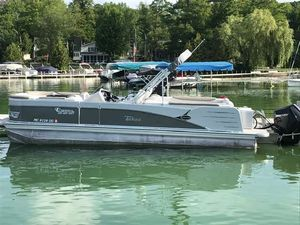 Used Tahoe Cascade Quad Lounger 25 Pontoon Boat For Sale