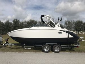 New Cobalt R3 Ski and Wakeboard Boat For Sale