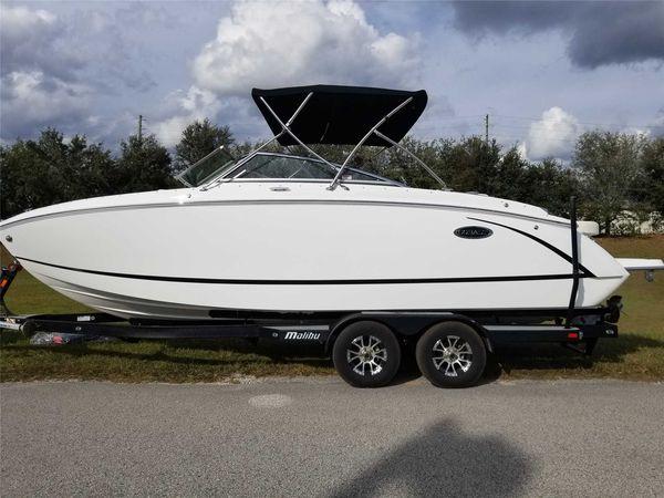 New Cobalt R5 Power Cruiser Boat For Sale