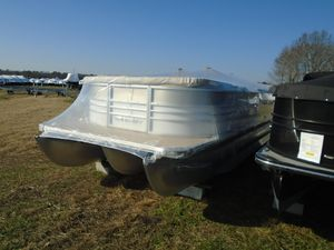 Used Starcraft Limited 256 Pontoon Boat For Sale