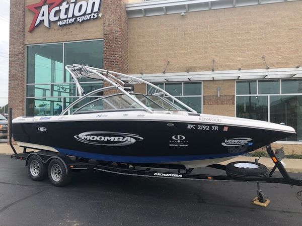 Used Moomba 23 XLV Ski and Wakeboard Boat For Sale