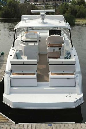 New Cruisers Yachts 39 Express Coupe Power Cruiser Boat For Sale