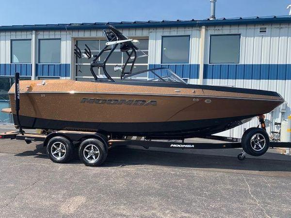 New Moomba Max Ski and Wakeboard Boat For Sale