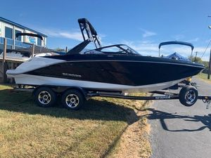 New Scarab 215 ID Jet Boat For Sale