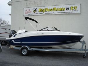 New Bayliner VR5 Bowrider Runabout Boat For Sale