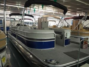 New Lowe SS270 Extended Walk Thru Pontoon Boat For Sale