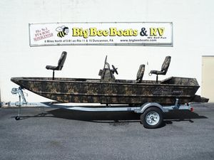 New Lowe RX 18 TN Center Console Fishing Boat For Sale