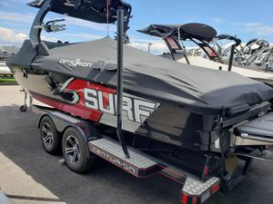 Used Centurion SV244 Enzo Ski and Wakeboard Boat For Sale
