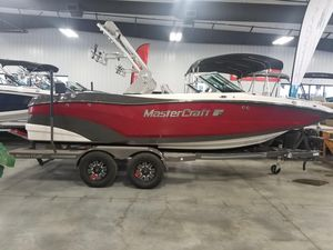 Used Mastercraft XT20 Ski and Wakeboard Boat For Sale