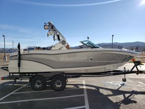 New Mastercraft XT21 Ski and Wakeboard Boat For Sale