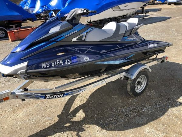 Used Waverunner VX CRUISER Personal Watercraft Boat For Sale