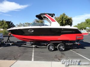 New Chaparral 25 SURF Ski and Wakeboard Boat For Sale