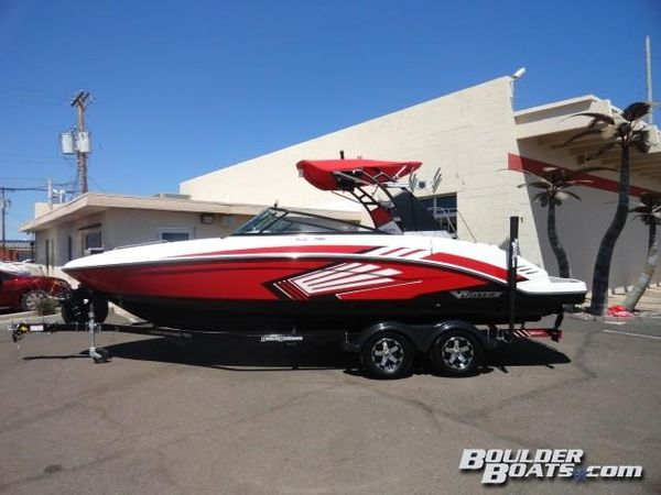 New Chaparral 2430 VORTEX VRX Jet Boat For Sale