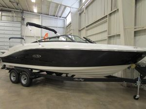 New Sea Ray SPX 230 Power Cruiser Boat For Sale
