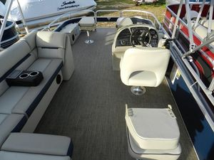 New Sweetwater 226 Pontoon Boat For Sale